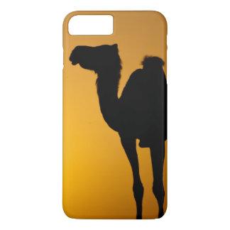 Silhouette d'un chameau sauvage au coucher du coque iPhone 7 plus