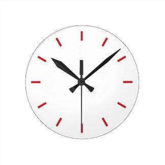 Simplement horloge avec les cadrans rouges