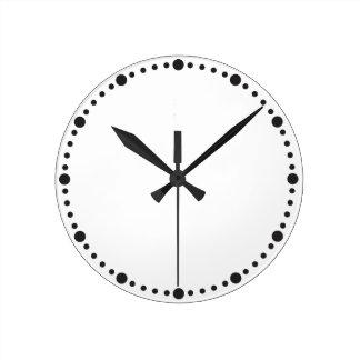 Simplement horloge avec les points noirs