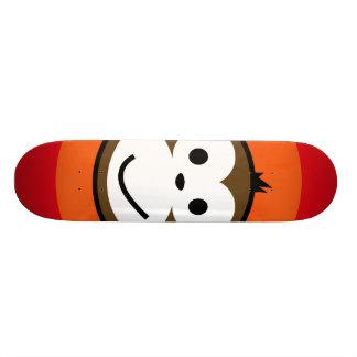 Singe effronté skateboard