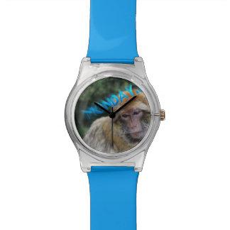 Singe triste au sujet de lundi montres
