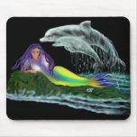 Sirène avec des dauphins tapis de souris