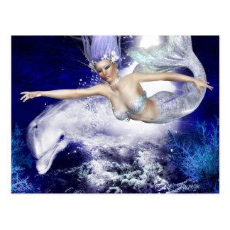 Sirène avec la carte postale de dauphin