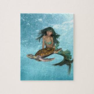 Sirène avec le puzzle de tortue de mer