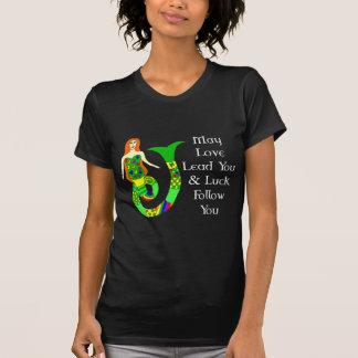 Sirène d'Irlandais d'amour et de chance T-shirt