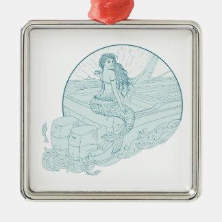 Sirène se reposant sur le dessin de bateau ornement carré argenté
