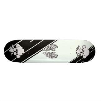 Skateboard chien d'ange de planche à roulettes