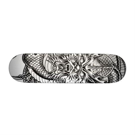 Skateboards Customisés grey dragon