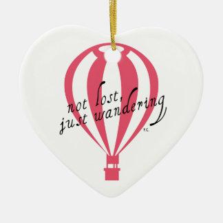 Slogan non perdu et juste errant de voyage ornement cœur en céramique