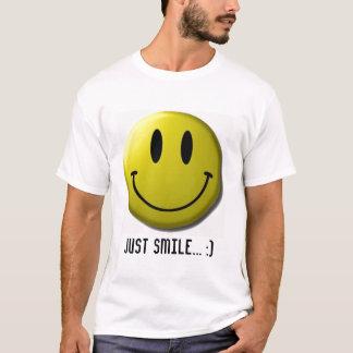 smiley-visage, juste sourire… :) t-shirt