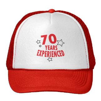 Soixante-dix ans ont éprouvé le soixante-dixième casquette
