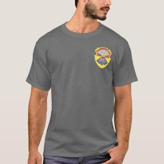 soixante-septième T-shirts d'armure