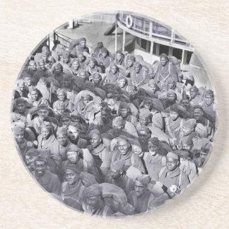 Soldats noirs de WWI sur le bateau de transport Dessous De Verres