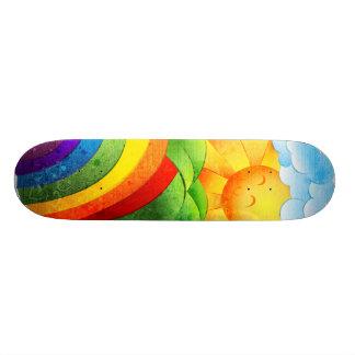 Soleil et arcs-en-ciel plateaux de skateboards customisés
