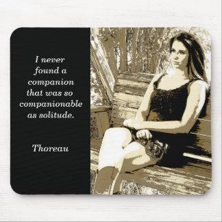 Solitude - citation de Thoreau - tapis de souris
