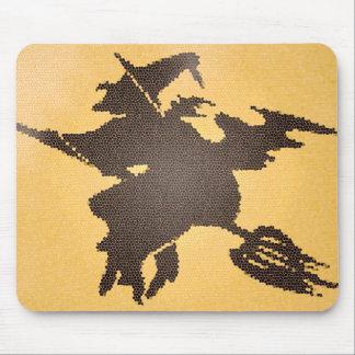 Sorcière de Halloween sur un mousepad de balai Tapis De Souris
