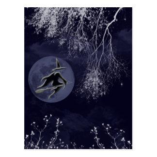 Sorcière et lune la nuit carte postale