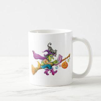 Sorcière moderne sur le balai mugs à café