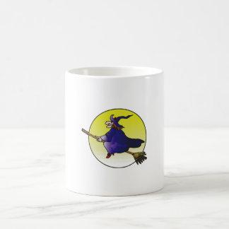 sorcière sur le manche à balai mug blanc