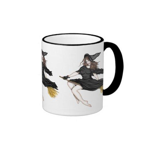 Sorcière sur un manche à balai mug à café