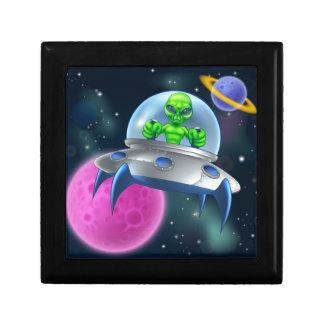Soucoupe volante étrangère en UFO dans l'espace Petite Boîte À Bijoux Carrée