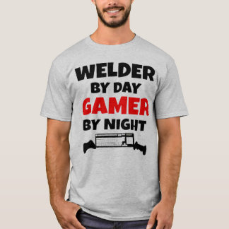 Soudeuse par le Gamer de jour par nuit T-shirt