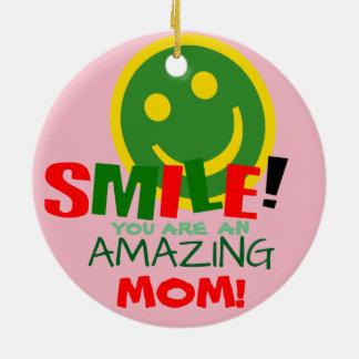 Sourient votre un ornement drôle d'âne de maman