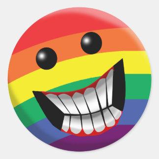 Sourire d'arc-en-ciel sticker rond