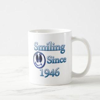 Sourire depuis 1946 mug