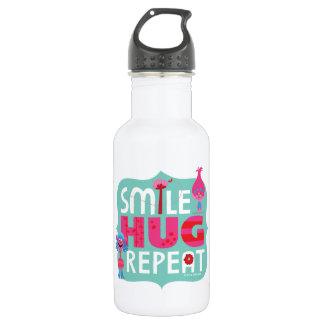 Sourire des trolls |, étreinte, répétition bouteille d'eau