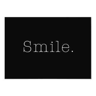Sourire. Modèle noir et blanc de citation de Carton D'invitation 12,7 Cm X 17,78 Cm