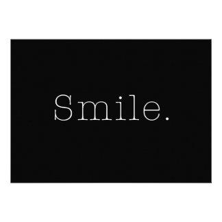 Sourire. Modèle noir et blanc de citation de souri Bristols Personnalisés