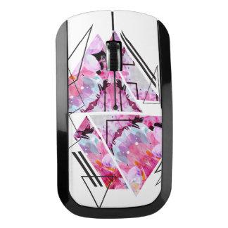 Souris Sans Fil Illustration florale de triangle moderne élégante