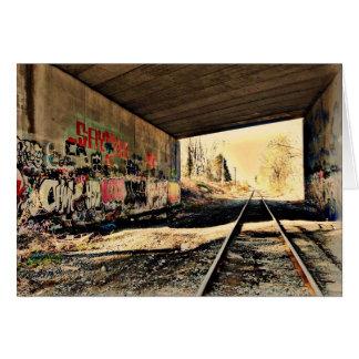 Sous la carte de voeux de pont en chemin de fer