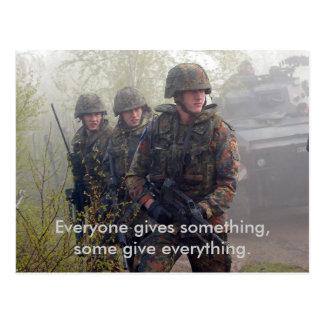 Soutenez notre carte postale de troupes