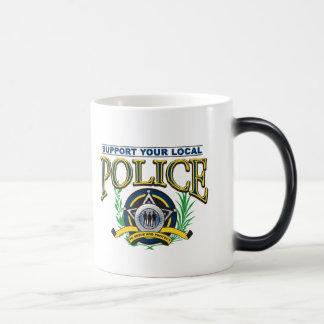 Soutenez votre police locale mug magic