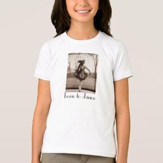 Soutenu pour danser le T-shirt de la fille