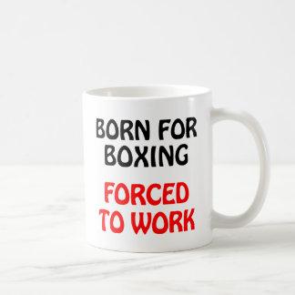 Soutenu pour enfermer dans une boîte forcée pour mug