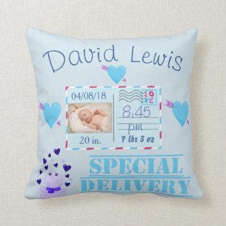 Souvenir bleu de crèche de photo de bébé coussin