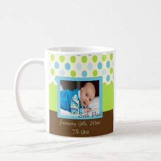 Souvenir de photo de bébé de point de polka mug blanc