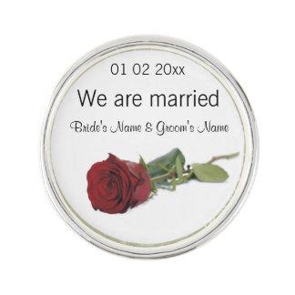 Souvenirs de mariage, cadeaux, dons pour des pin's