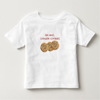 Soyez aimable donnent le T-shirt de très bon goût
