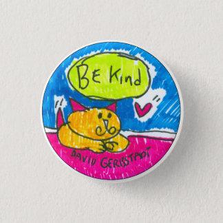 Soyez chat jaune aimable avec le coeur badges