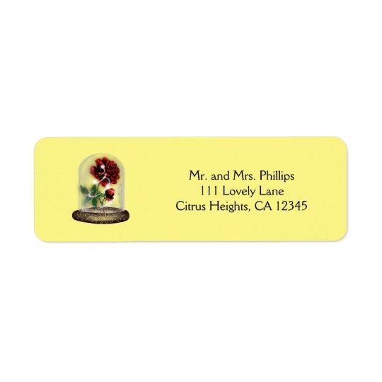 Soyez notre rose rouge d'invité dans élégant en étiquette d'adresse retour