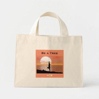 Soyez un sac fourre-tout minuscule à arbre