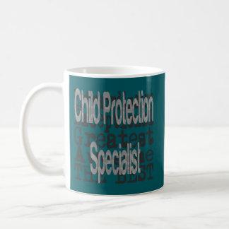 Spécialiste en protection de l'enfance mug