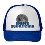 Squatchin allé Sasquatch sur le vélo avec le chape Casquettes
