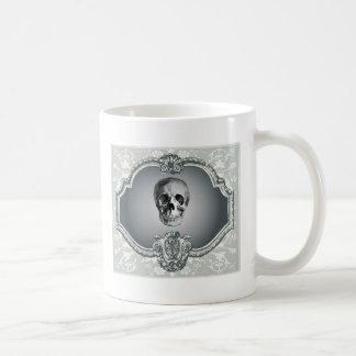 Squelette dans le miroir mug