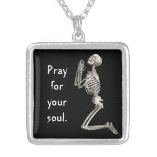 Squelette de prière collier