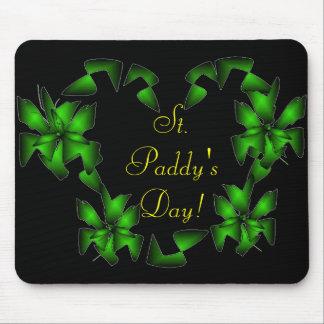 St Coeur irlandais du jour du paddy - personnalisa Tapis De Souris